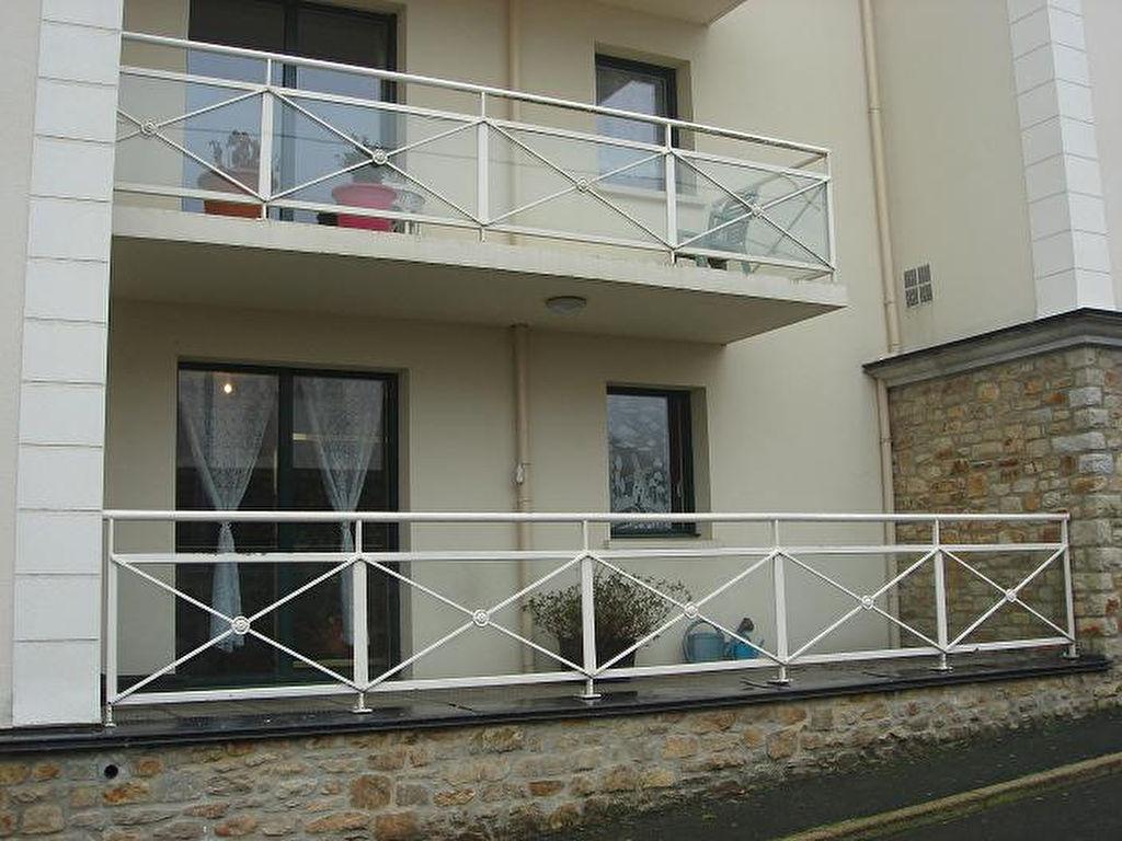 Plancoet : T2 avec terrasse