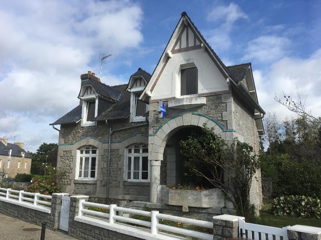 Landébia, Maison en pierre