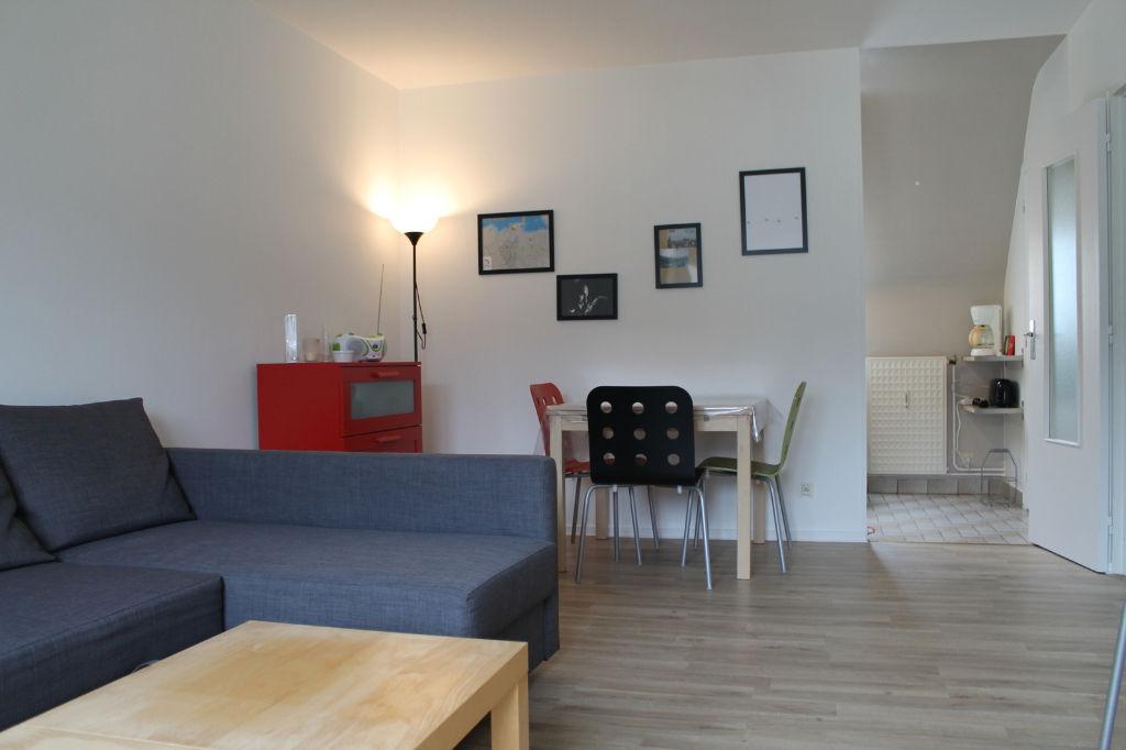 DINAN : T1  loué en plein centre, 32 m²
