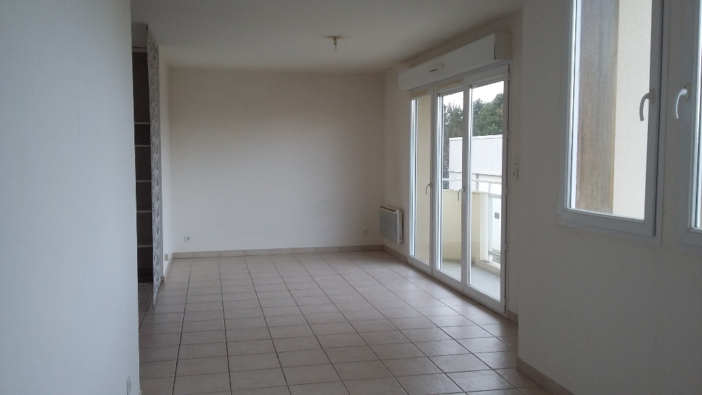 Appartement T2 LANVALLAY
