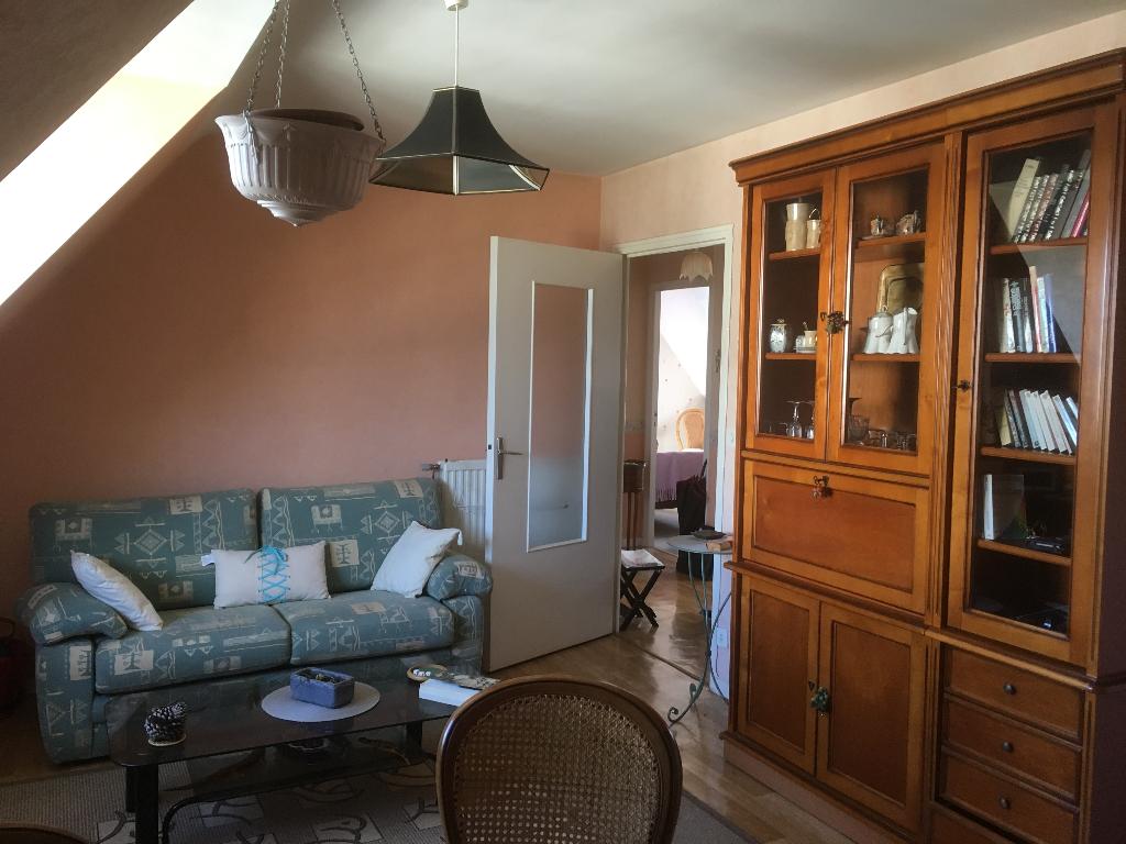 DINAN : Appartement T3, 43m²