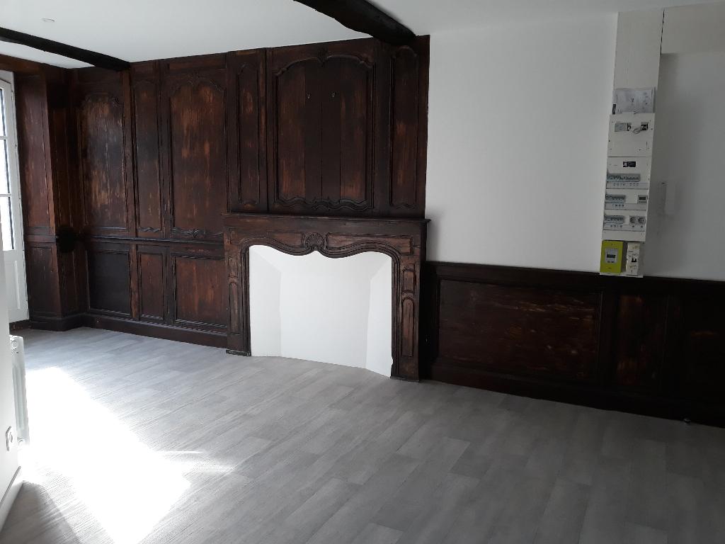 DINAN: Appartement 2 pièces 35m²