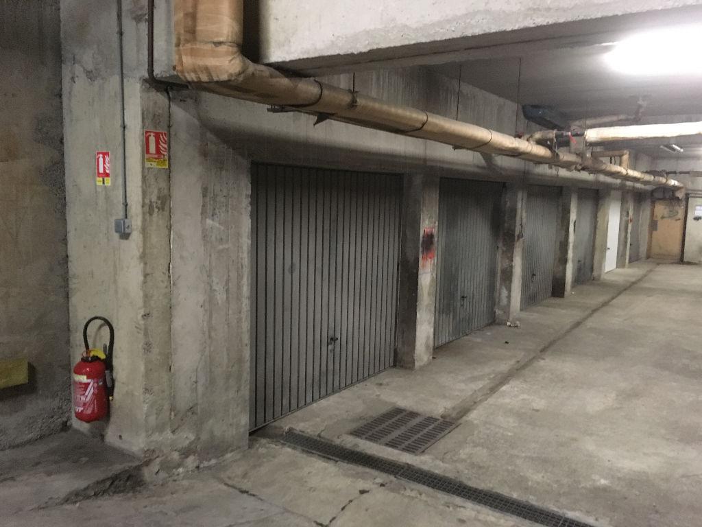 A louer et gestion de copropri t s sur dinan saint malo for A louer garage